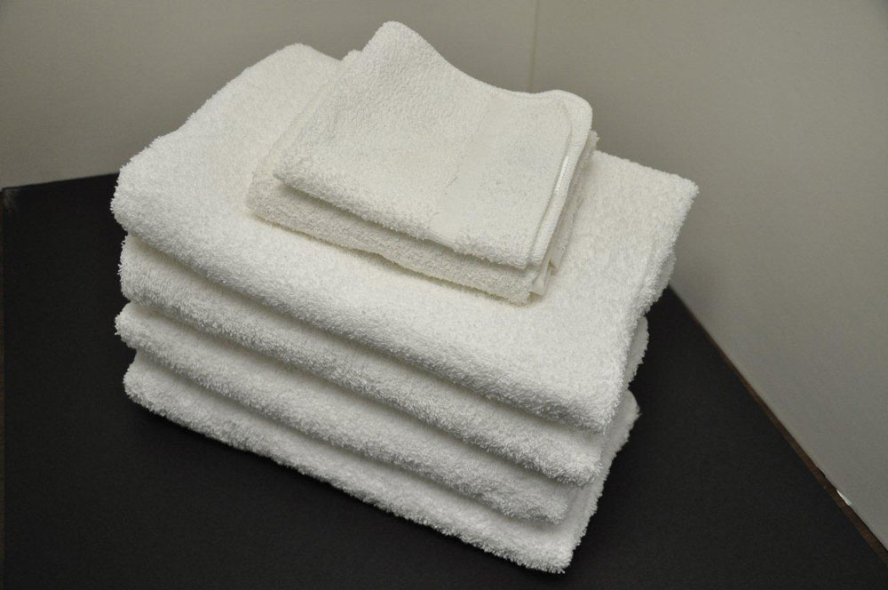 24 X 48 8 Lb White Olympic 16s Bath Towel