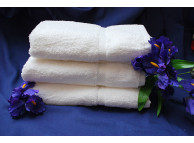 "13"" x 13"" 1.5 lbs. Royal Suite White Hotel Wash Cloths"